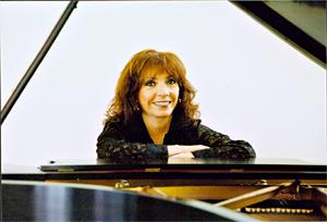 Alicia Zizzo, Pianist/Musicologist