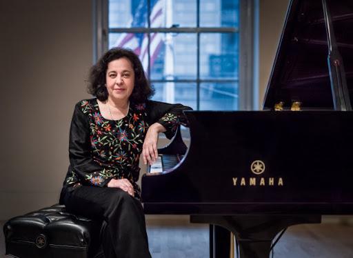 Mirian Conti, Pianist
